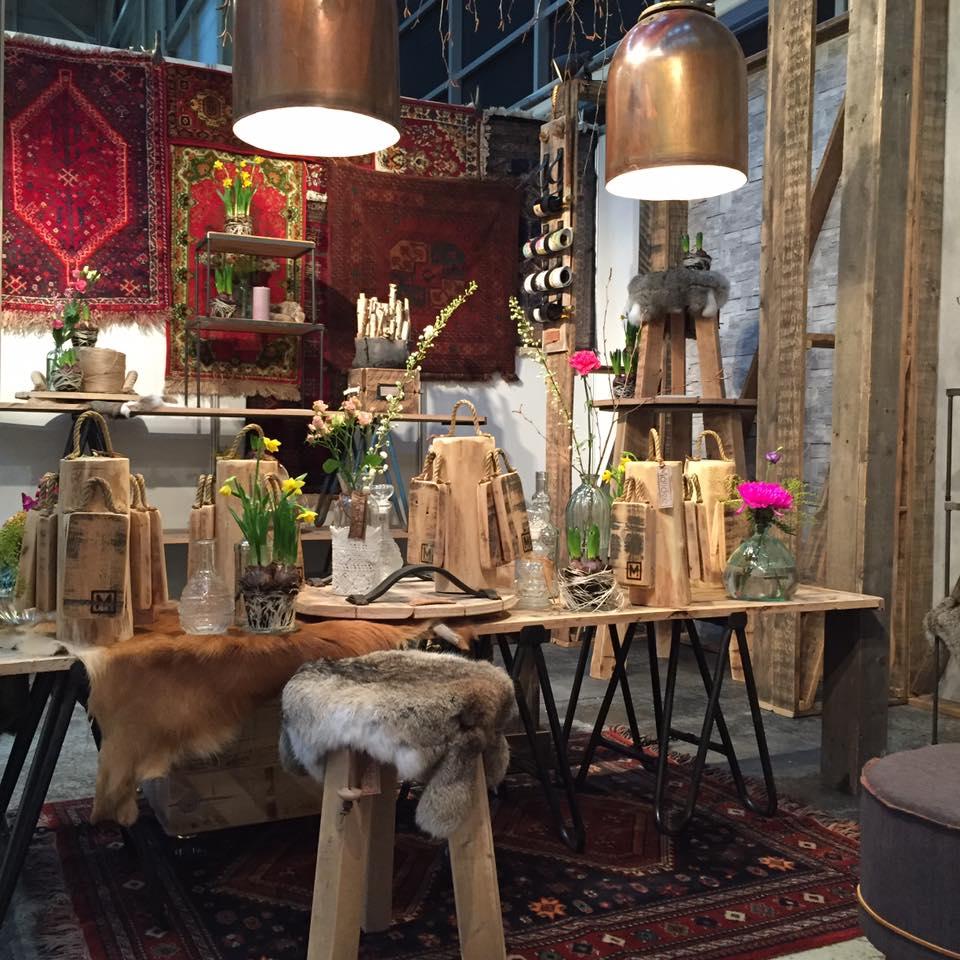 Stoere gerecyclede meubels horeca shops maiidee for Meubels horeca